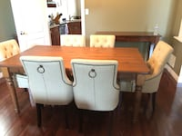 Dining Room Table and Chairs Pickering, L1V 1T3