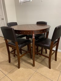 Dining Table Set w/ 4 Chairs Henderson, 89015