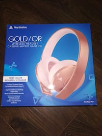 PlayStation 4 rose gold wireless headset