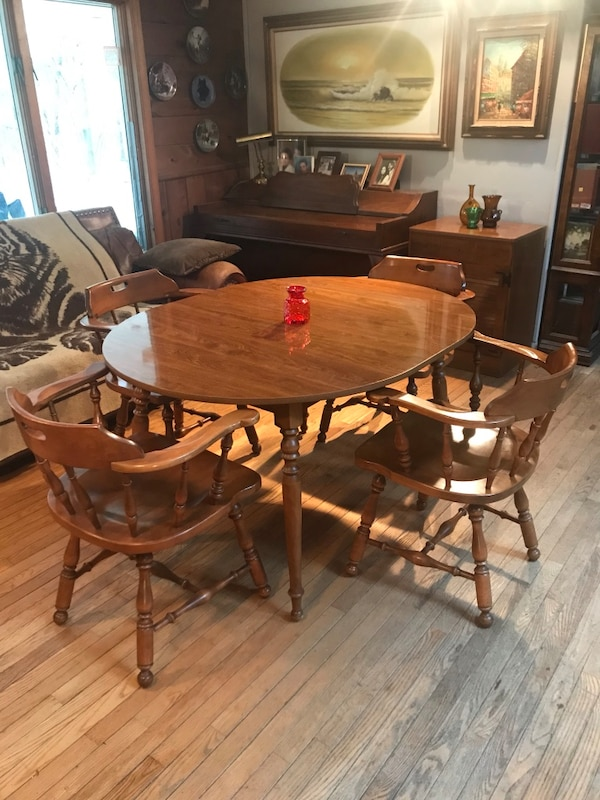 Ethan Allen Kitchen Table/Dining Room Table 4 Chairs & Butler Pantry  Cabinet!