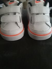 Infant size 2 Nike shoes(Never Worn)