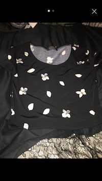 black and white floral print scoop-neck t-shirt London, SE18