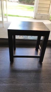end table/night stand Naperville, 60563