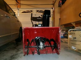 Murray 24 Inch, gas powered snow blower