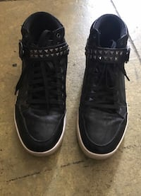 ROCK AND REPUBLIC MEN'S SIZE 9 BLACK high top stud Pomona, 91766