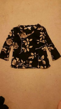 black and brown floral long-sleeved shirt