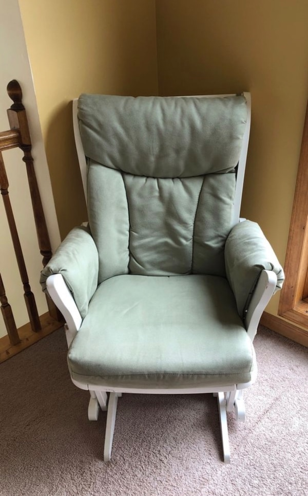 Superb Used Dutailier Rocking Chair For Sale In Belleville Letgo Creativecarmelina Interior Chair Design Creativecarmelinacom