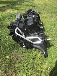 Complete heater unit for 2008 Chrysler 300 including heater core blower motor console and all wire harness in excellent condition asking 200 Winnipeg, R3R 1J4