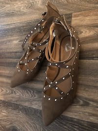Pair of brown pointed-toe flats, size 9.  Dallas, 75235