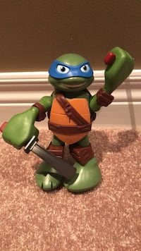 "6"" ninja turtle-arms swing and talks Hamilton, L9G 1S6"