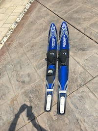 O'brien adult waterskis Mississauga, L5M 7N7