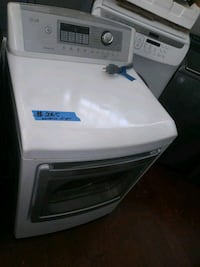 LG electric dryer in excellent conditions