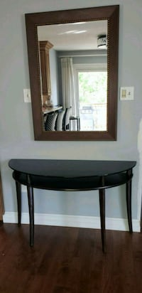 Mirror and hall table Barrie, L4N 6J4