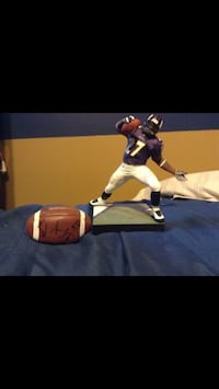 Statue of Ravens Running Back and a signed mini football by Derrick Mason  Randallstown, 21133