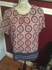 Ladies top size small Oakville, L6H 1Y4