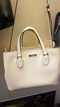 white leather 2-way handbag Surrey, V3W 1Y9