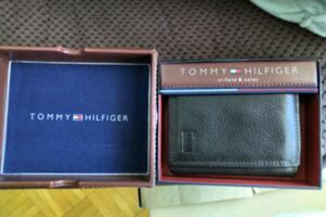 Tommy trifold wallet