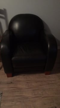 Leather chair good condition  3752 km