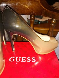 Beautiful Guess Heels two toned Hedgesville, 25427