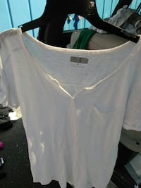 white split-neck pocketed t-shirt Santa Rosa, 95407