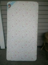 Crib or toddler bed mattress  Lowellville, 44436