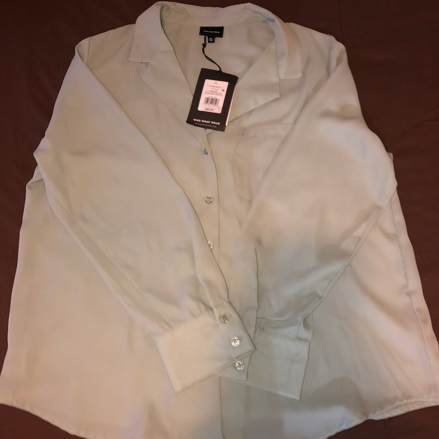 Who what wear blouse XL brand new