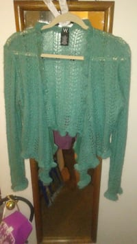 CLOTHES - SWEATER Green, LIKE NEW. Arlington, 76011