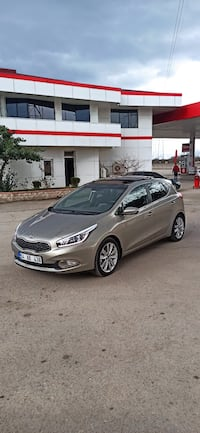 2014 Kia Ceed 1.6 5 DR CONCEPT PLUS AT 128 PS