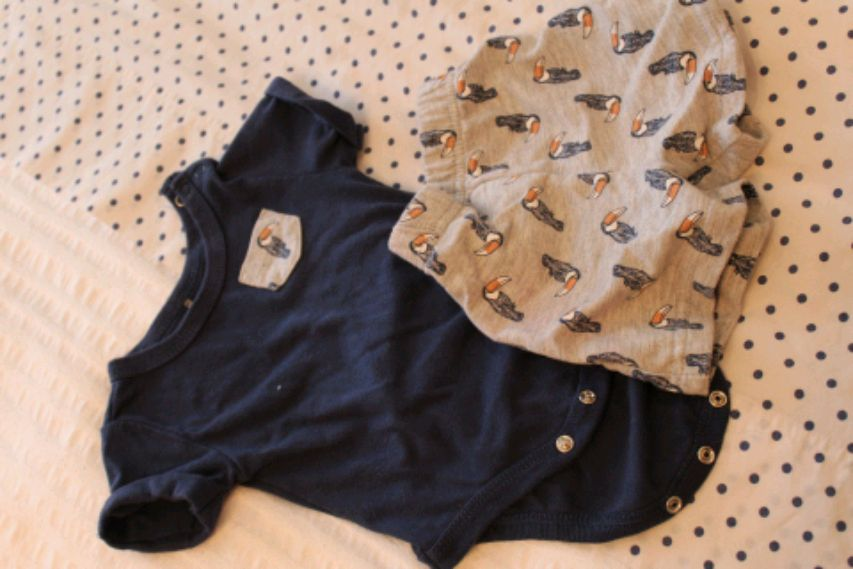 Photo Baby boy tshirt and shorts size 0 to 3 months.