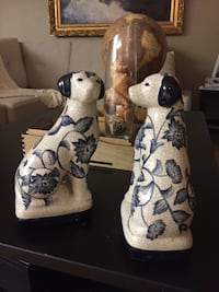 Two white-and-blue ceramic figurines 568 km