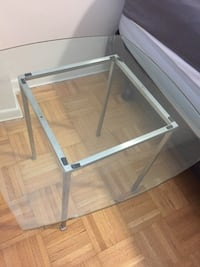 GLASS TOP SIDE TABLE 539 km
