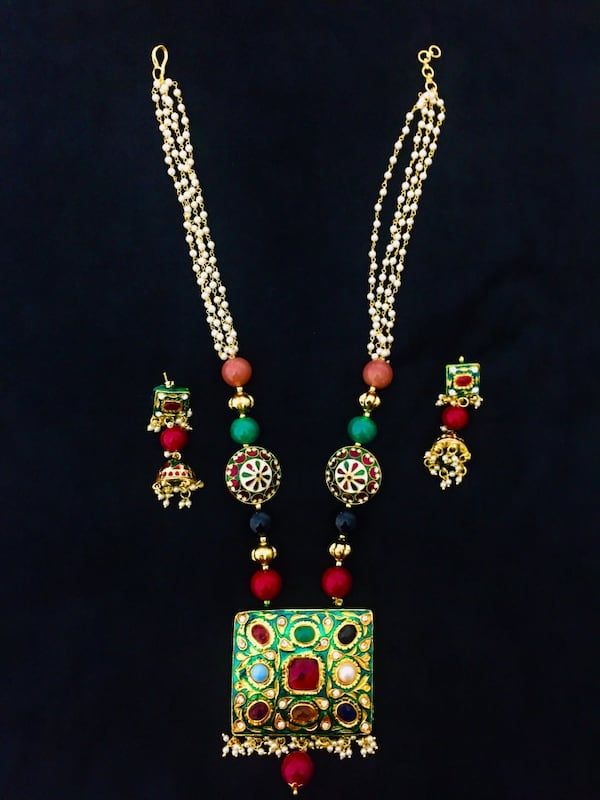 Beautiful necklace with earring 71e66274-8275-4fd6-b703-76c675aa1f39