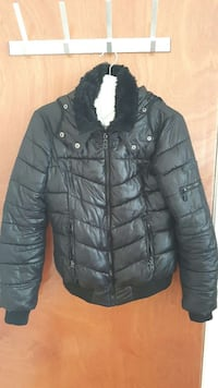 black zip leather bubble jacket Southall, UB2 5SG
