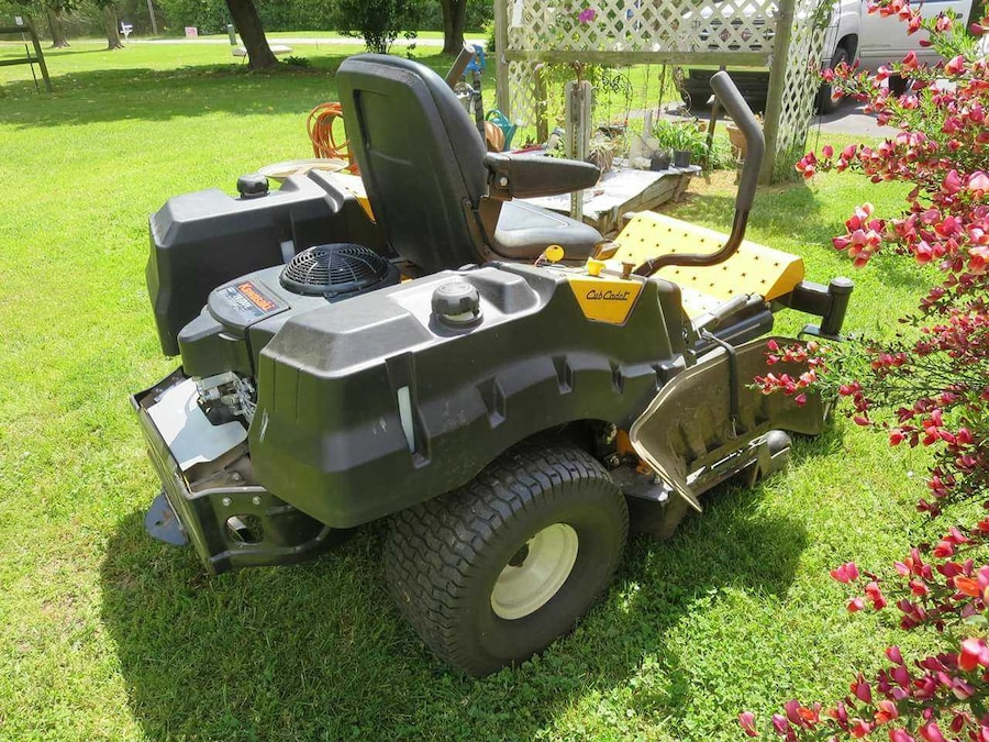 Used Barely Used Zero Turn Riding Heavy Duty Lawn Mower In