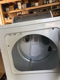 White front-load clothes dryer(kenmore) 马卡姆, L3R 3N4
