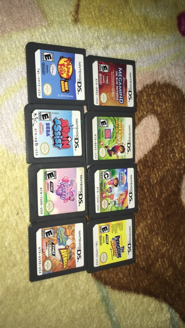 Ds game lot! b1a1476e-10f1-42ca-93e7-fc7cb85c4210