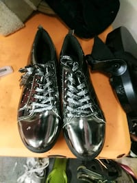 pair of black leather shoes Anderson, 96007