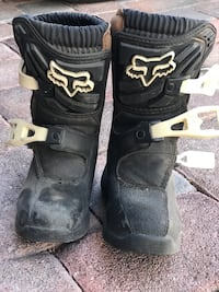 Pair of black fox racing motocross boots size 10y Las Vegas, 89139