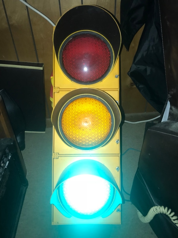 Traffic Lights For Sale >> Yellow Vintage Traffic Light Decor