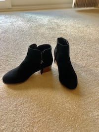 black suede side zip up boots! New Baltimore, 21236