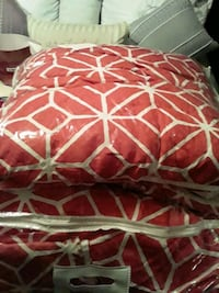 Comforter set with pillow covers and Sham for king size bed