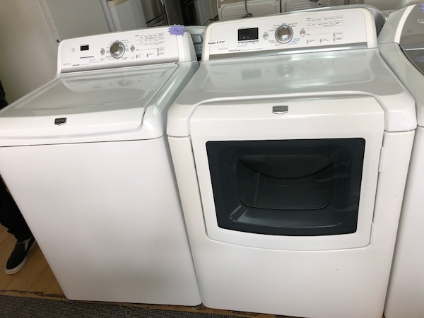 Maytag white washer and dryer set