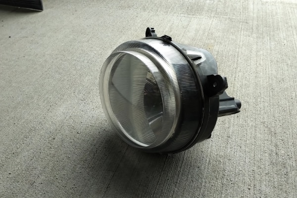(Phone number hidden by letgo) 0 Jeep Patriot Front Driver Side Headlight  c585fb3e-5408-4e3f-a078-763bf5451661