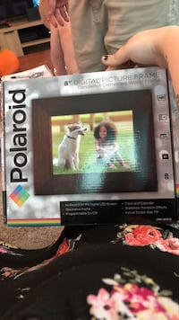 Digital picture frame never used