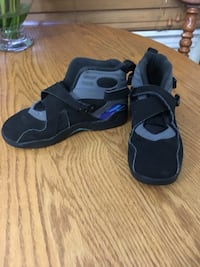 Pair of black-and-gray nike shoes 1080 mi