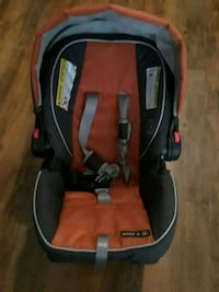 baby's black and red car seat carrier San Diego, 92101