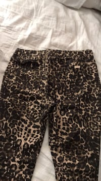 ennifer Lopez skinny pants Hermosa Beach, 90254