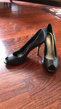 Pair of black peep-toe platform pumps, BCB GIRLS, size 5B,  Marlboro, 07746