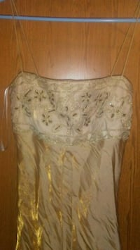 Gold dress size 9-10 Fort Mitchell, 41017