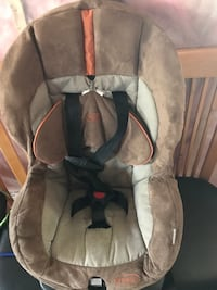 baby's gray and white car seat carrier Edmonton, T6V 0L4
